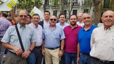 EL AYUNTAMIENTO DE BOLAÑOS ACOMPAÑA A LOS OLIVAREROS EN LA MANIFESTACIÓN