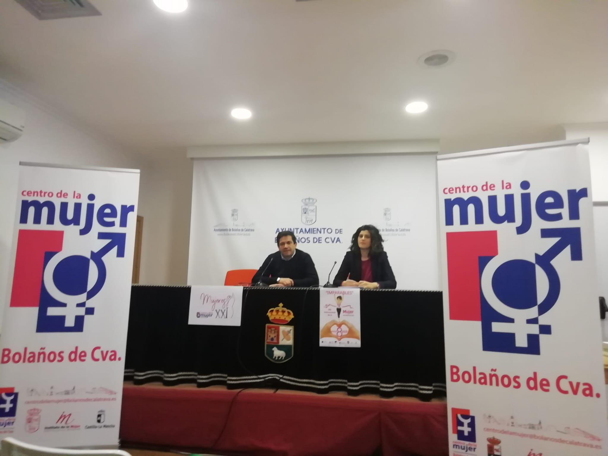 Miguel Ángel Valverde y Victoria Naranjo en rueda de prensa